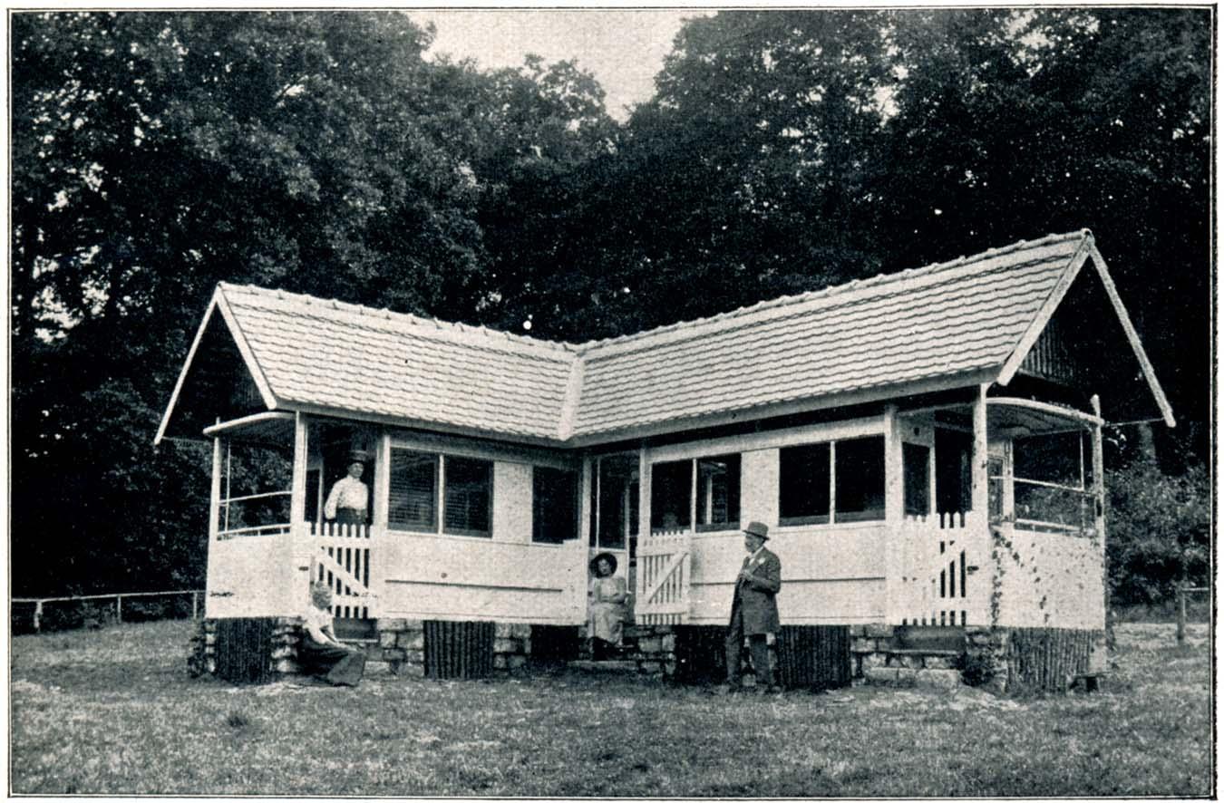 Sommerhaus aus Strassenbahnen
