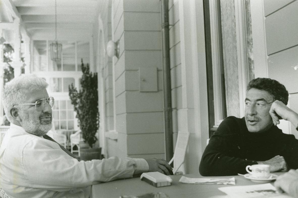 daniel_und_rudolf_schmidt_auf_veranda