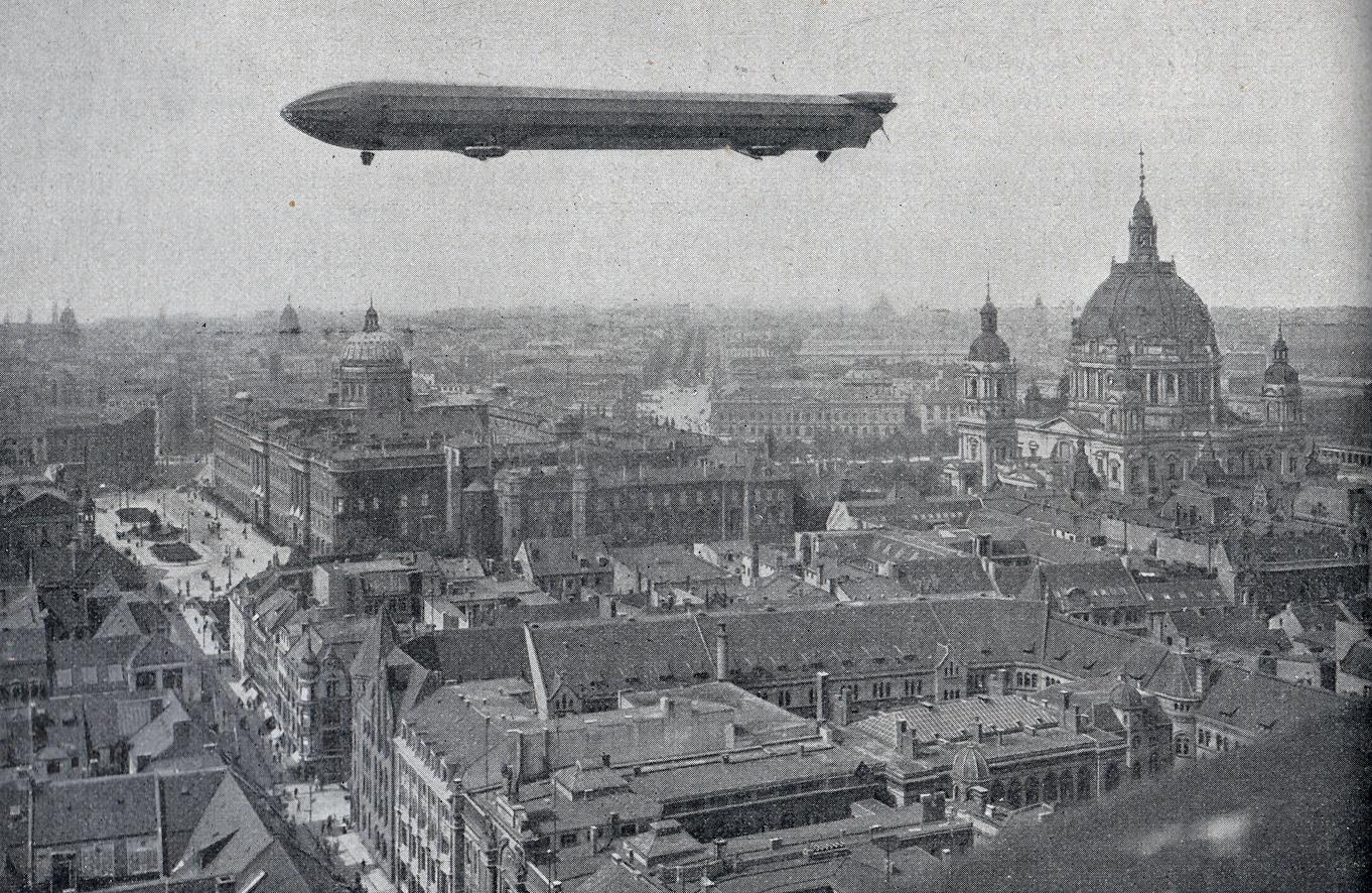 luftschiff-z3-1909-uber-berlin