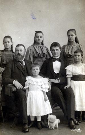 bild_16_heinrich-xxii-mit-familie