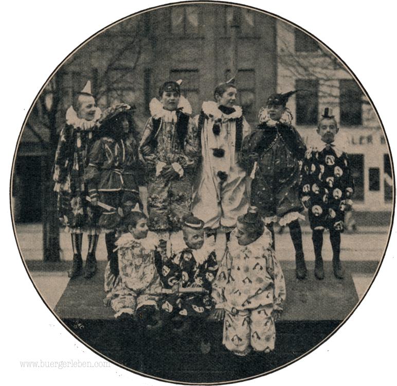 kolner-karneval-kinder-rund