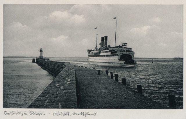 sassnitz-vor-rugen-fahrschiff-deutschland-