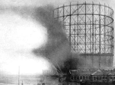 gasometer_hh-grasbrook_explosion_am_7-12-1909_cropped