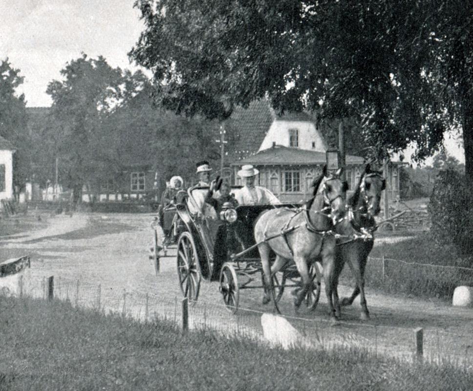 sommeraufenthalt-der-deutschen-kaiserfamilie-cadinen-s.3_ausfahrt-der-kaiserin-auf-kutsche-kopie