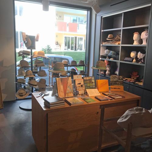 shop-hutmuseum-fb