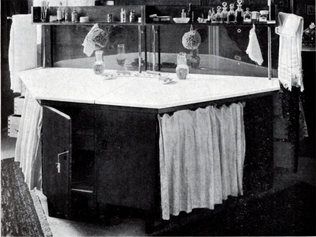 wohnung-neuzeit-s.253-toilettentisch.jpeg