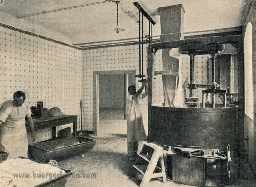 das-kraenzchen-19.-folge-19-s.61-teigmaschine1