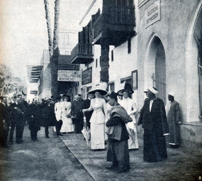die-woche-1911-1.-s.53-nummer2-kronprinzessin-nach-gottesdienst