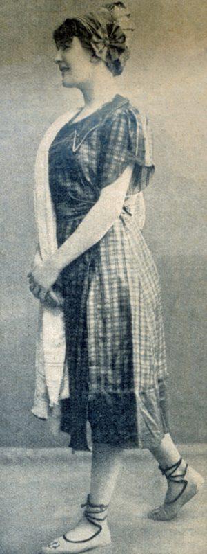 Rosa- und grünkarierter Anzug
